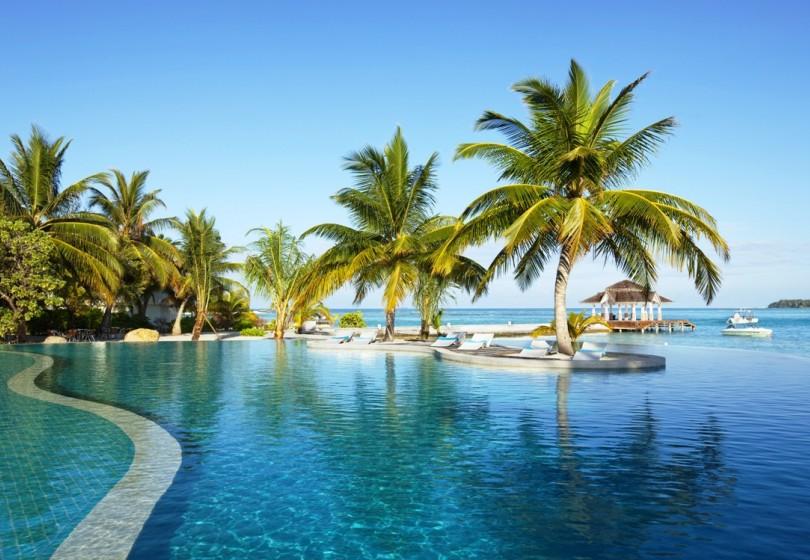 Kandooma Surf Resort Maldives (6)_0.jpg
