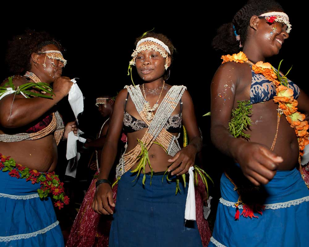Solomon-island-dancers.jpg