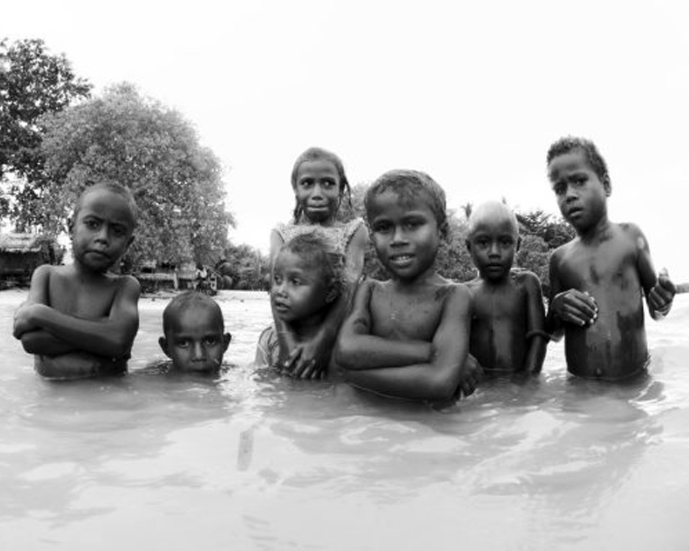 Solomons-kids-swimming.jpg
