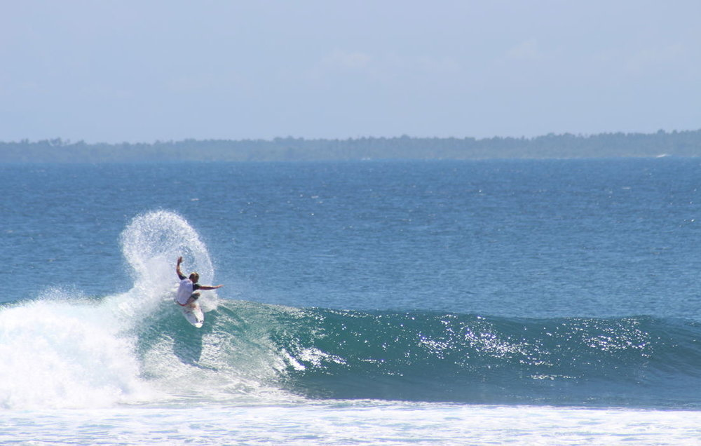 mandiri-break-surf-resort-sumatra-surfing-4-1100x700_c.jpg