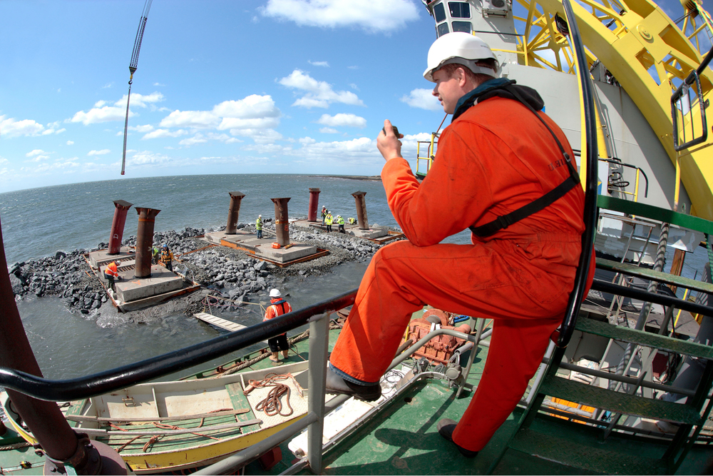 Offshore construction decommissioning BOSIET