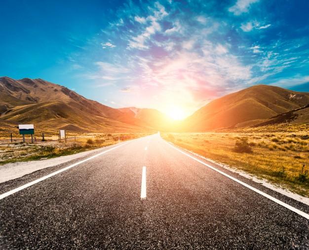 sun-in-the-horizon-of-the-road_1088-57.jpg