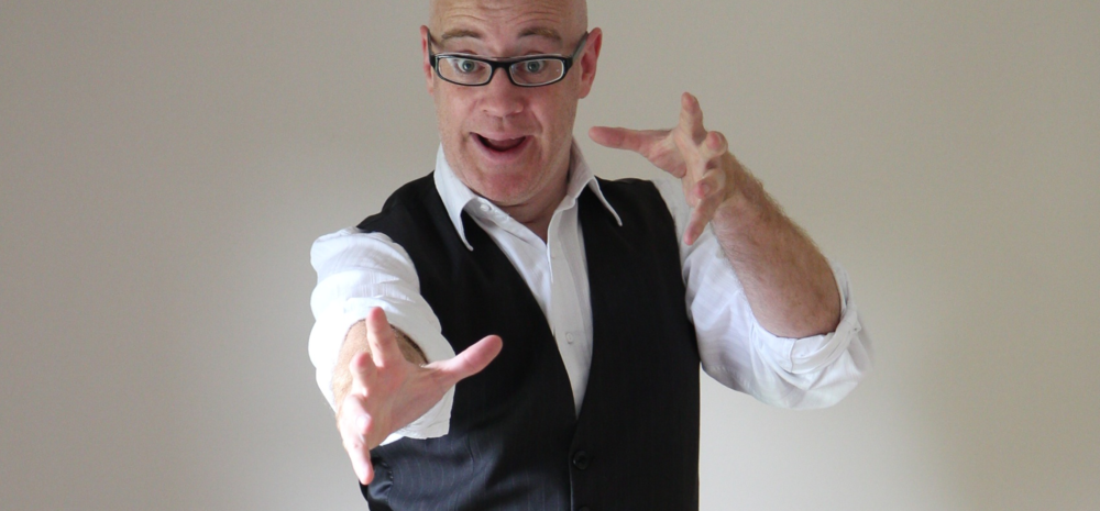 Magician for kids party - Reuben the Entertainer