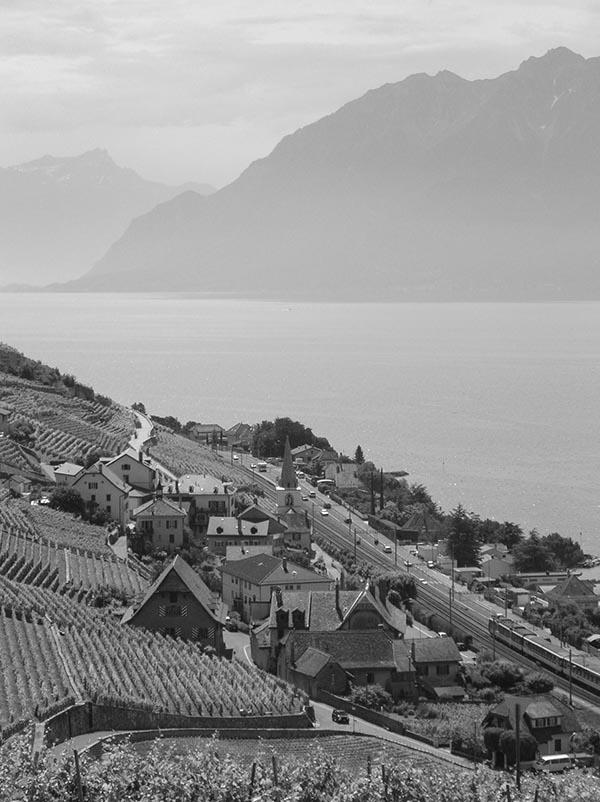 Villette_(Lavaux),_Suisse_et_lac_Léman.jpg