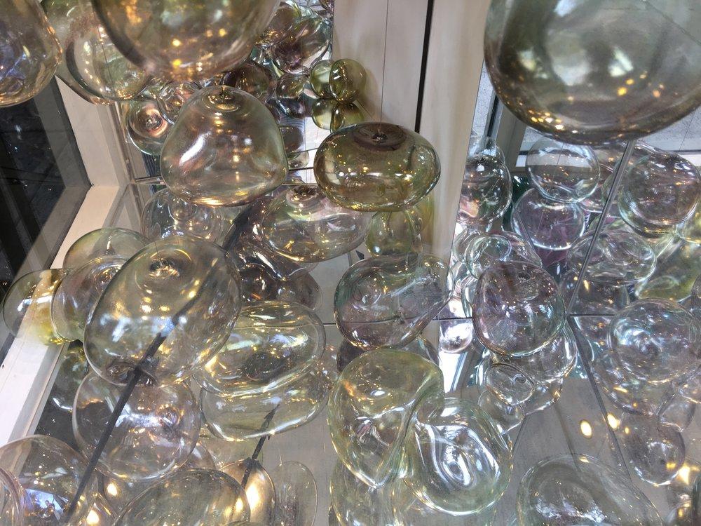 inna-babaeva-glass-art-in-buildings
