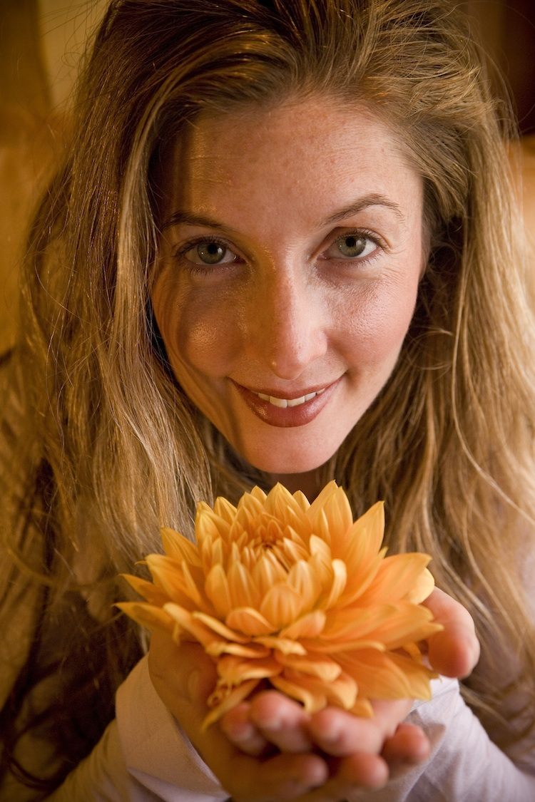 Amanda Snow  offers energetic medicine and massage.