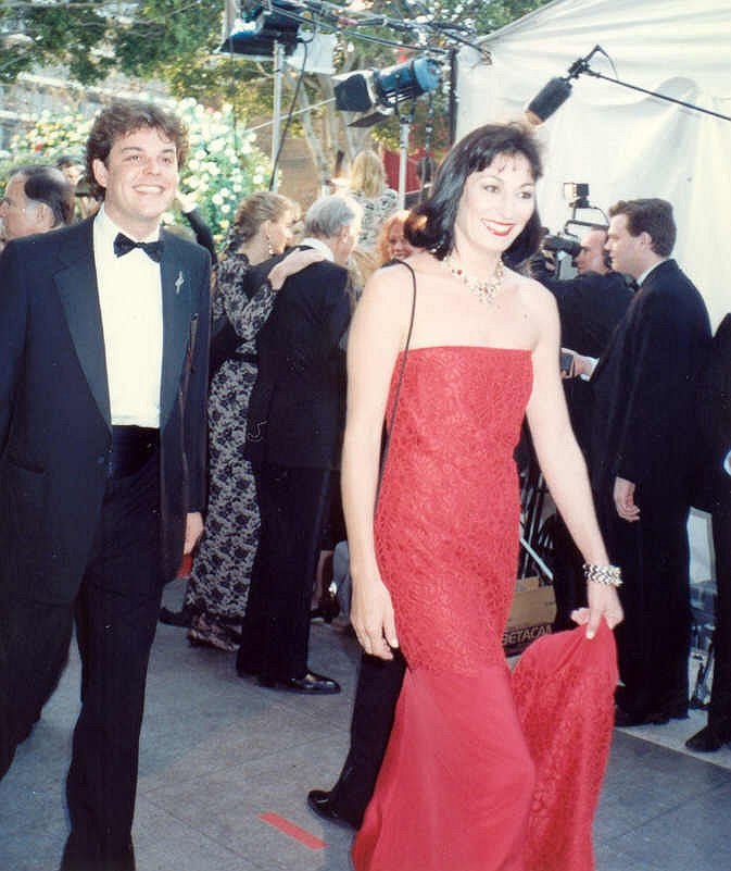 Anjelica_Huston_Danny_Huston_62nd_Annual_Academy_Awards.jpg