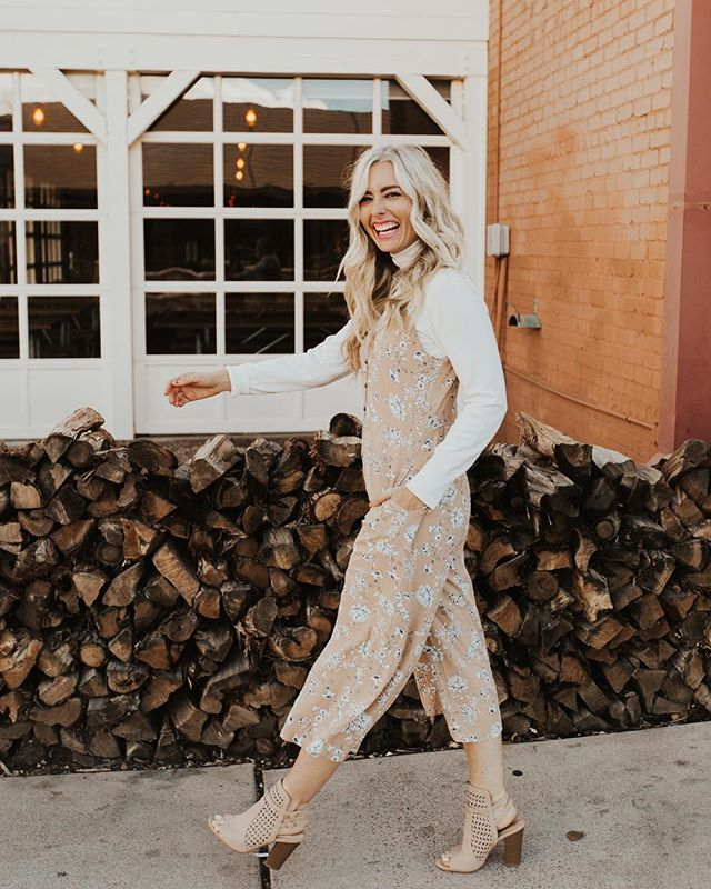 @shopashleylemieux killing me with this shoot💛 so excited for their store opening in Gilbert! your killing it girlie!