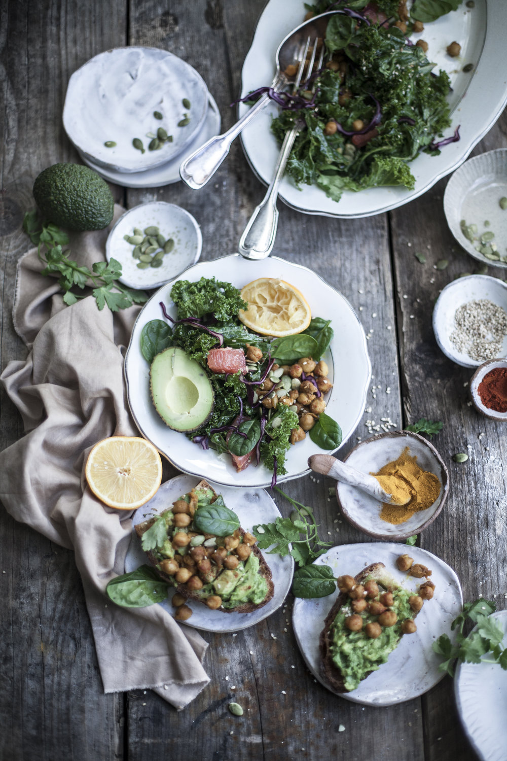 pressed kale+chickpeas salad_salvialimone