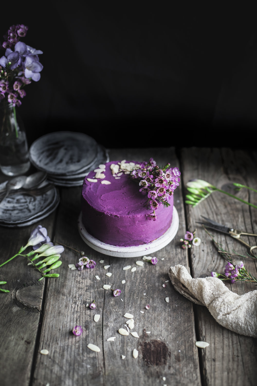 Earl Grey Lemon cake with Purple potatoes and White Chocolate Frosting_www.salvialimone.com