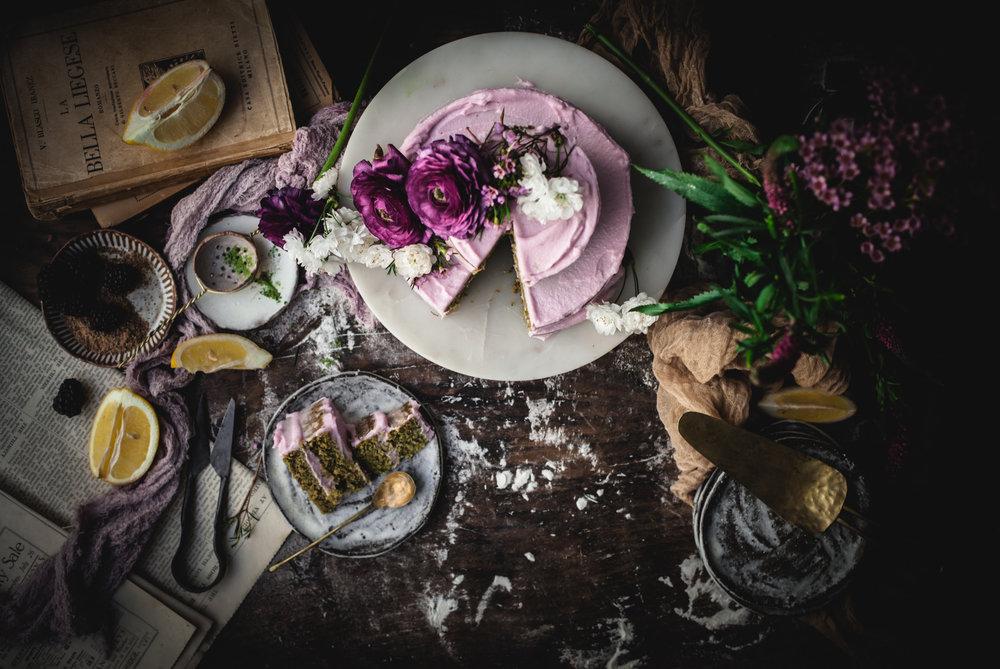 Te cake sponge is featuring MeMatcha vanilla falvoured organic Matcha powder.