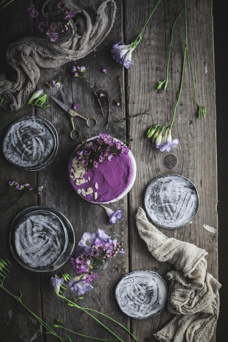 earl+grey+lemon+cake+with+purple+potatoes+and+white+chocolate+frosting.jpg