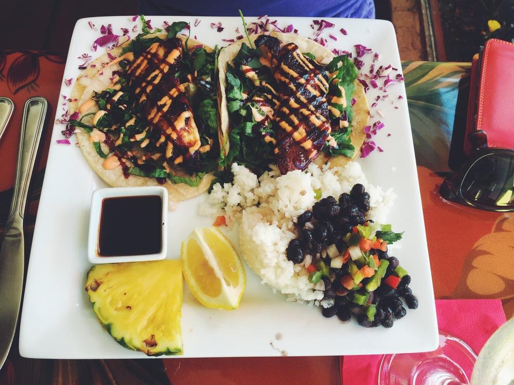 fat-kahunas-cocoa-beach-mahi-tacos