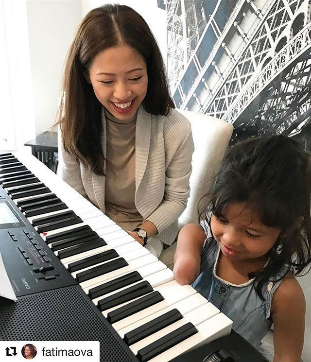 We are so excited to have Sophia learn piano with us! #Repost @fatimaova (@get_repost) ・・・ {June 29th, 2017} -  Heart bursting with PRIDE moment 💜💥💥💜 #photoaday #ovaphotoaday2017 #teamova #sophiaova #luckyarm #luckyfin #pianolessons #piano #keyboard #newbie #livingoutmydreams #thereaintanythingshecantdo #shecanandshewill #mylittlerockstar #studiovivian #playaninstrument #learnalanguage #learnasport #lifegoals #proudmama