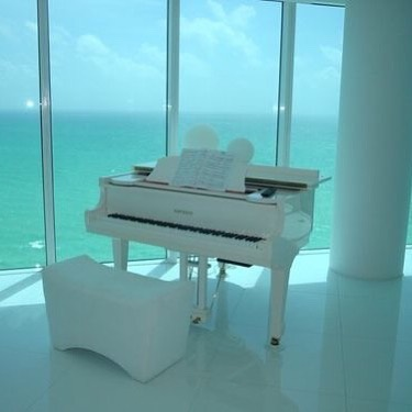 Would you practice piano more if this was your practice room? 😍 #oceanview . . . . . . . #musicschool #pianolessons #confidence #teachersofinstagram #torontomusicschool #guitarlessons #singinglessons #torontomoms #torontokids #torontomusicacademy #torontomusiceducation #kidsofinstagram #violinlessons #mentorship #oakvillemusicacademy #oakvillepianolessons #oakvillesinginglessons #musicteachers #pianoteachers #pianotutors #athomepianolessons #inhomepianolessons
