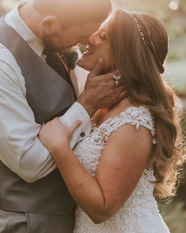 I've been waiting my whole life to become one with you. ⠀⠀⠀⠀⠀⠀⠀⠀⠀ ⠀⠀⠀⠀⠀⠀⠀⠀⠀ ⠀⠀⠀⠀⠀⠀⠀⠀⠀ ⠀⠀⠀⠀⠀⠀⠀⠀⠀ ⠀⠀⠀⠀⠀⠀⠀⠀⠀ ⠀⠀⠀⠀⠀⠀⠀⠀⠀ ⠀⠀⠀⠀⠀⠀⠀⠀⠀ ⠀⠀⠀⠀⠀⠀⠀⠀⠀ ⠀⠀⠀⠀⠀⠀⠀⠀⠀ ⠀⠀⠀⠀⠀⠀⠀⠀⠀ #skpbrides #pennsylvaniaphotographer #frederickphotographer #carlislephotographer #lancasterweddingphotographer  #centralpaweddingphotographer #realbrides #realwedding #liveauthentic #postthepeople #momentsovermountains #fineartphotographer #fineartwedding #radlovestories #isaidyes #shootandshare #letsdothis #thatsdarling #soloverly #theknotpa #letsgetmarried #charming #details #communityovercompetition #bosslady #pursuepretty #weddinginspo #paweddingphotographer #loveintentionally #intimatewedding