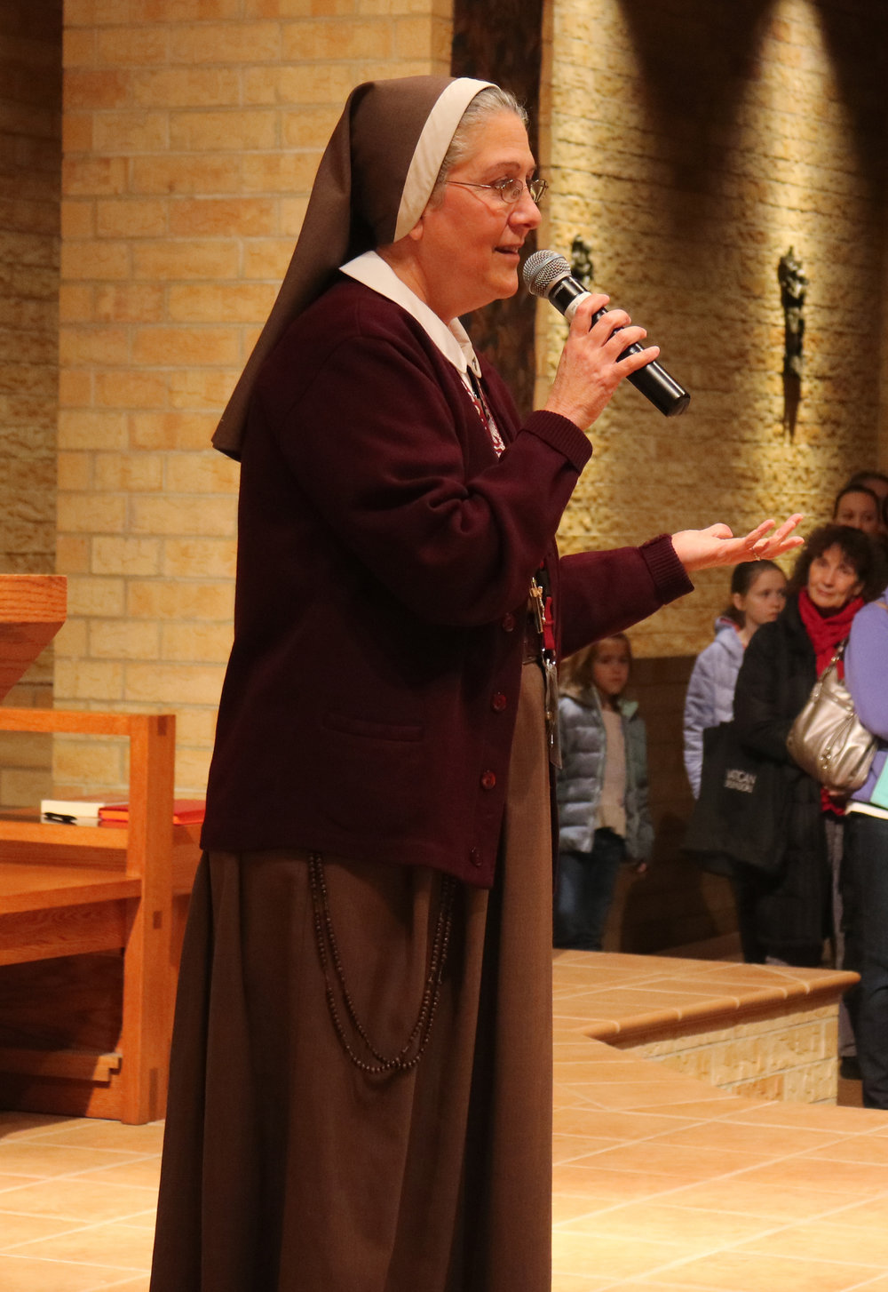 Mother Adela and the Servants of the Pierced Hearts of Jesus and Mary visited St. Hubert November 28-December 1 with a first-class relic of St. John Paul II.