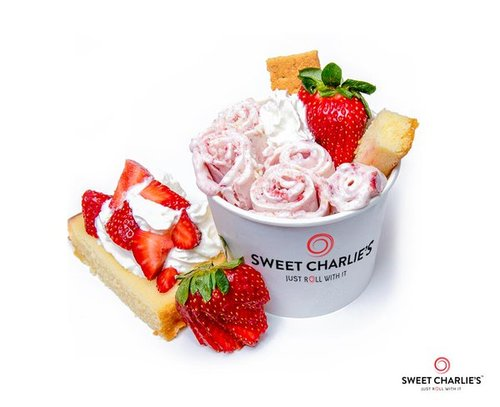 The Namaste - Cheesecake, Fresh Strawberries, & Your Choice Toppings