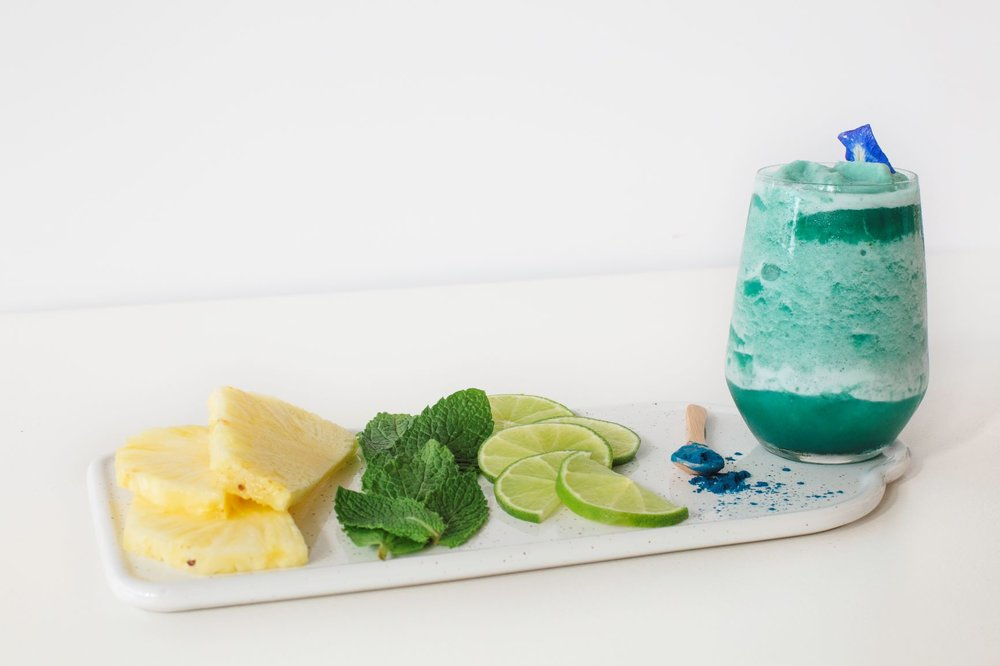 Fine-apple  — pineapple, lime, mint, blue majik