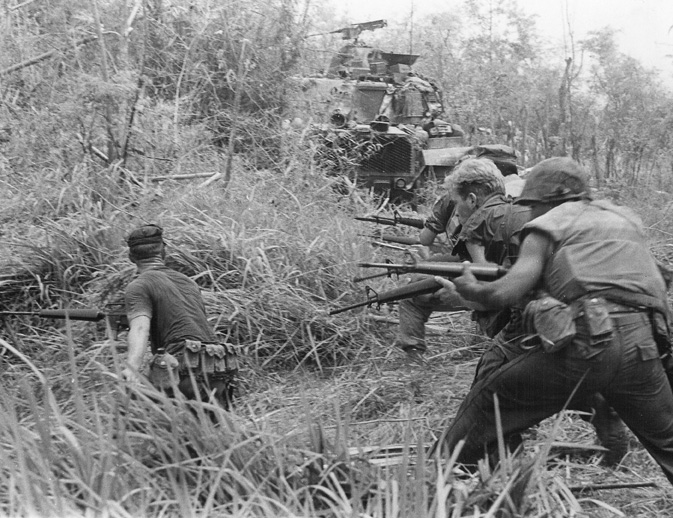 U.S._Marines_in_Operation_Allen_Brook_(Vietnam_War)_001.jpg