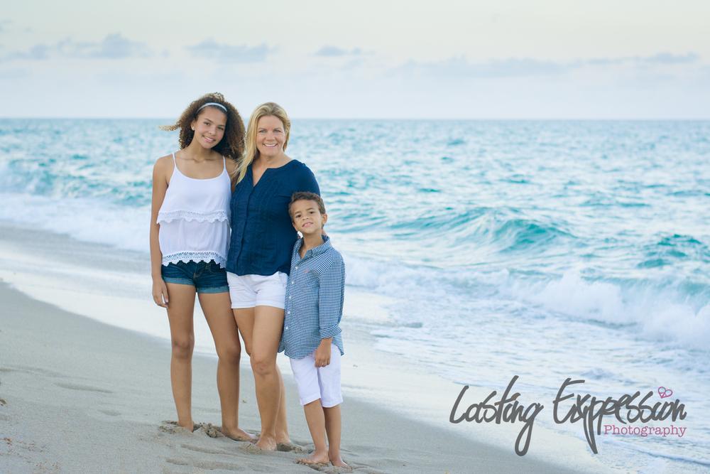 gironfamily-9logo.jpg