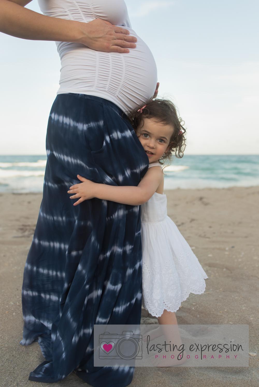 rivera-maternity-logo-2.jpg