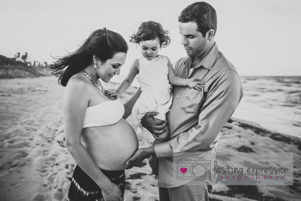 rivera-maternity-logo-7.jpg