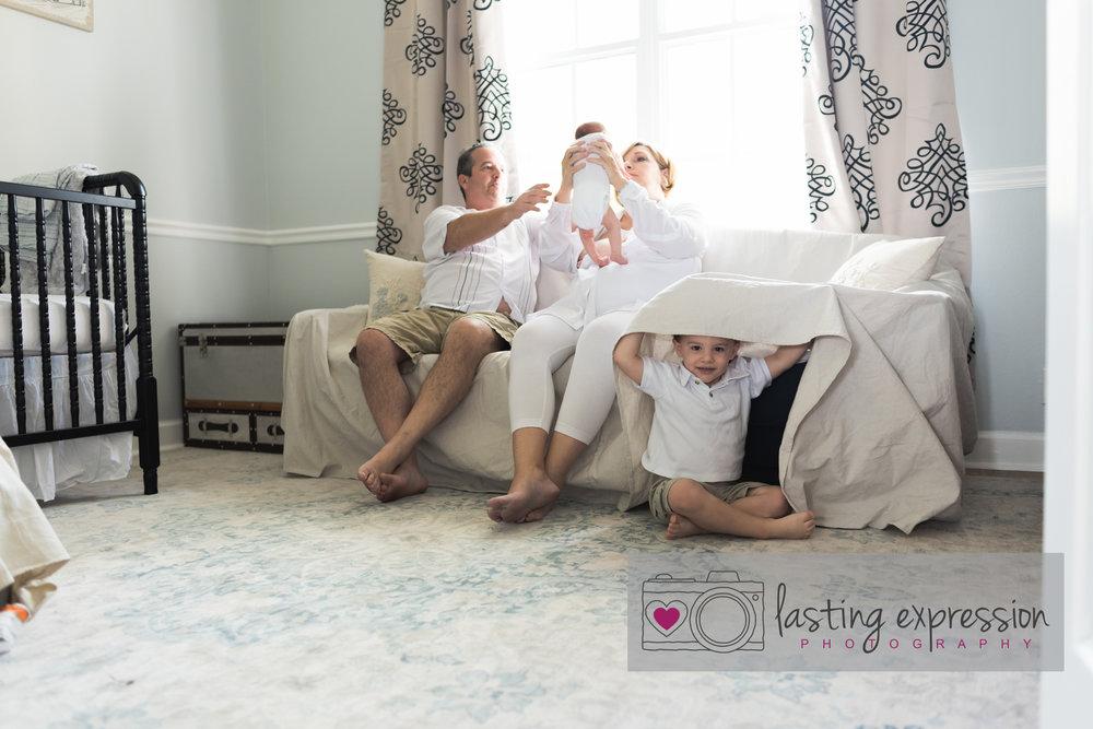 welcomebabyhome-estrach-photog-logo-7.jpg