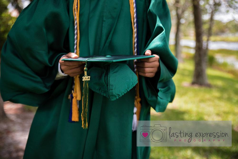 adrien-graduation2017-logo-12.jpg