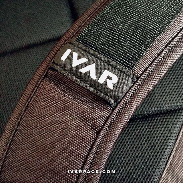 How do you carry your stuff? #ivar #ivarpack #backpacks #urbantravel #urbantraveller #commuter #bikemessenger #sanfranciscocompany #patented #design