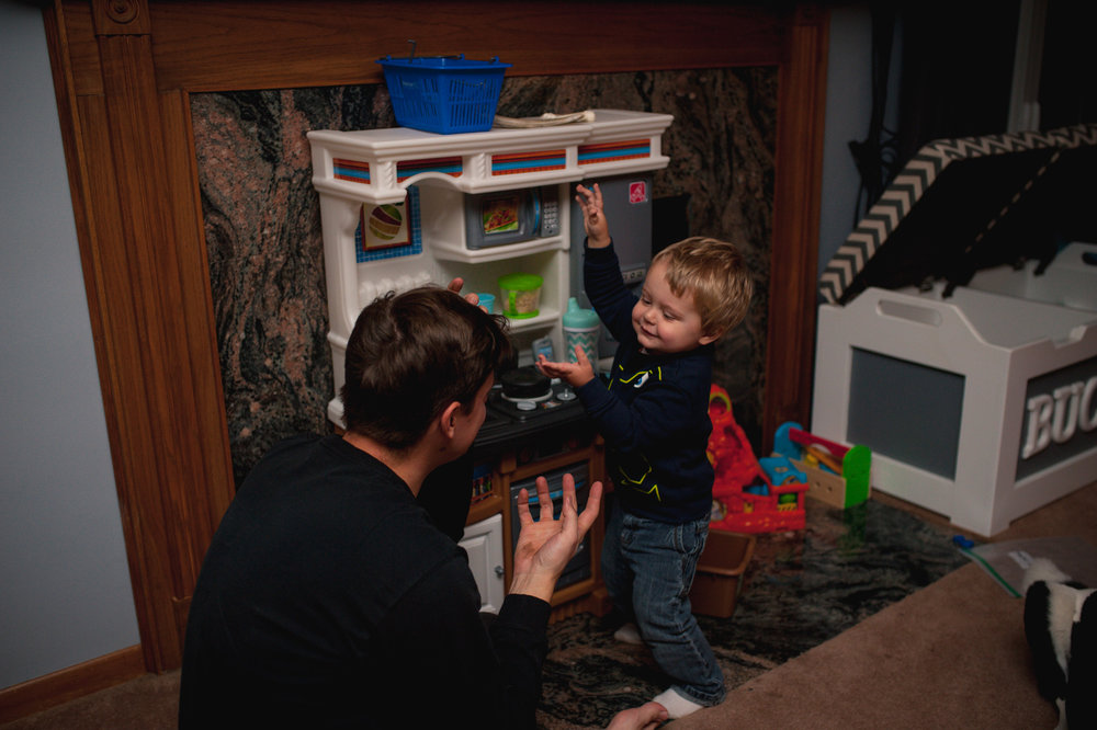 06 Jan 2017 |  Leo got a kitchen for Christmas - complete with a microwave that beeps!  Here, daddy had just showed him how it works, and every time the sounds would play, he would do a little dance.
