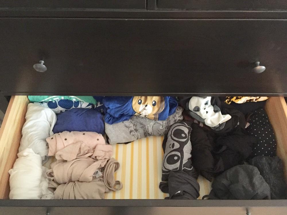 Hello from the otter siiiiideeeee....of the tee-shirt drawer.