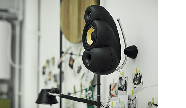 minipod-scandyna-podspeakers-black-wall-mount-close-up-loud-speakers.jpg