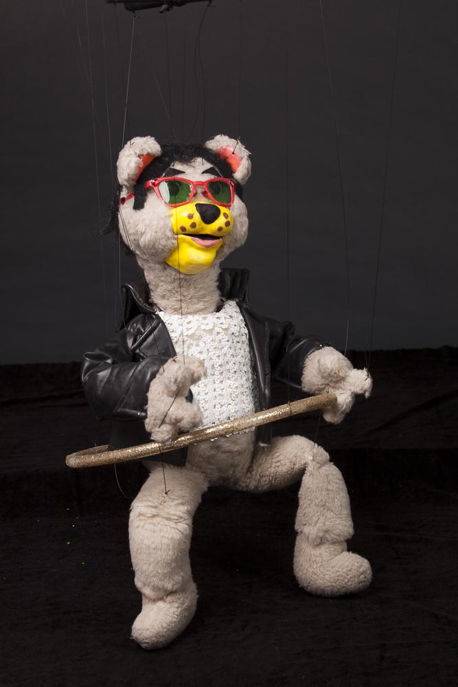 """Wayne Martin Puppets """"Hula-Hoop Teddy Bear"""""""