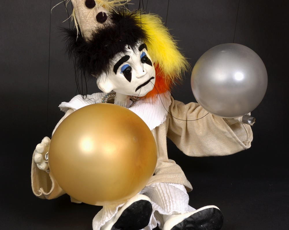 "Wayne Martin Puppets ""Ross the Balloon-Blowing Pierrot"""