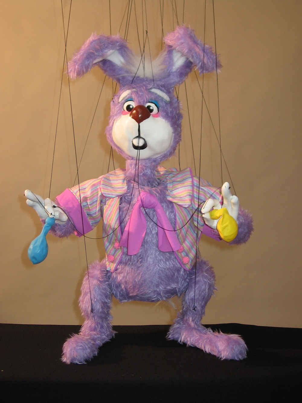 "Wayne Martin Puppets ""Scatterbrain the Balloon-Blowing Rabbit"""