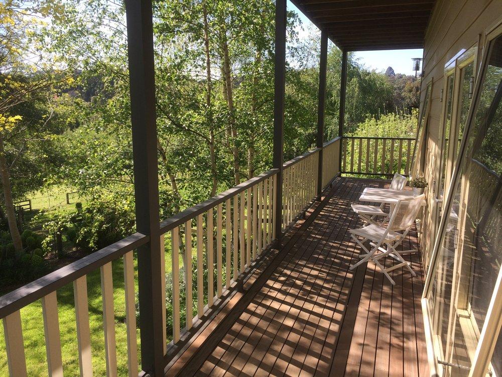 Emerald Ridge guest room verandah