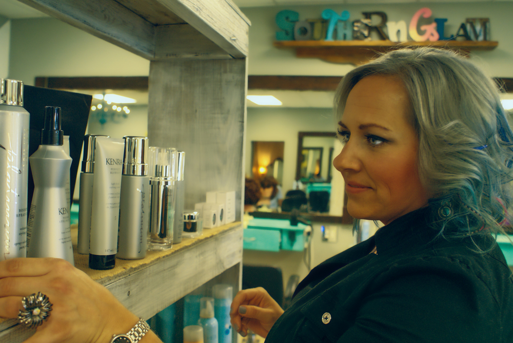"""""""My name is Lindsey, I am 34 years young. I am mother of one son, I also have an amazing career as a hairstylist and the only """"Yankee"""" at Southern Glam Salon here in Columbus, Georgia. If anyone above the mason Dixon walks through the doors, I automatically start talking like a Canadian. I can't help it. Michigander is in my blood."""""""