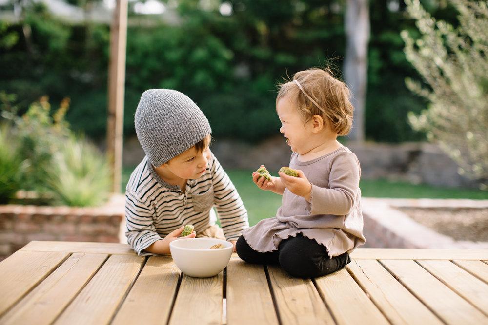 feeding_babies_4_01A.jpg