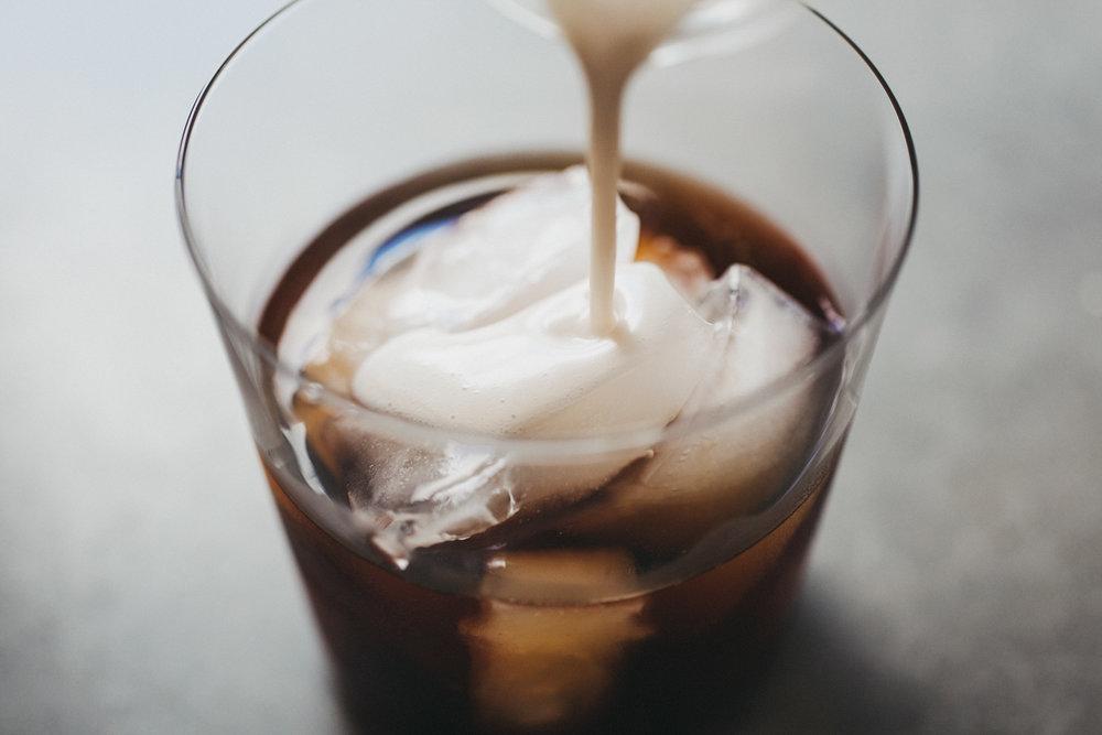 cold_brew_coconut_creamer_06.jpg