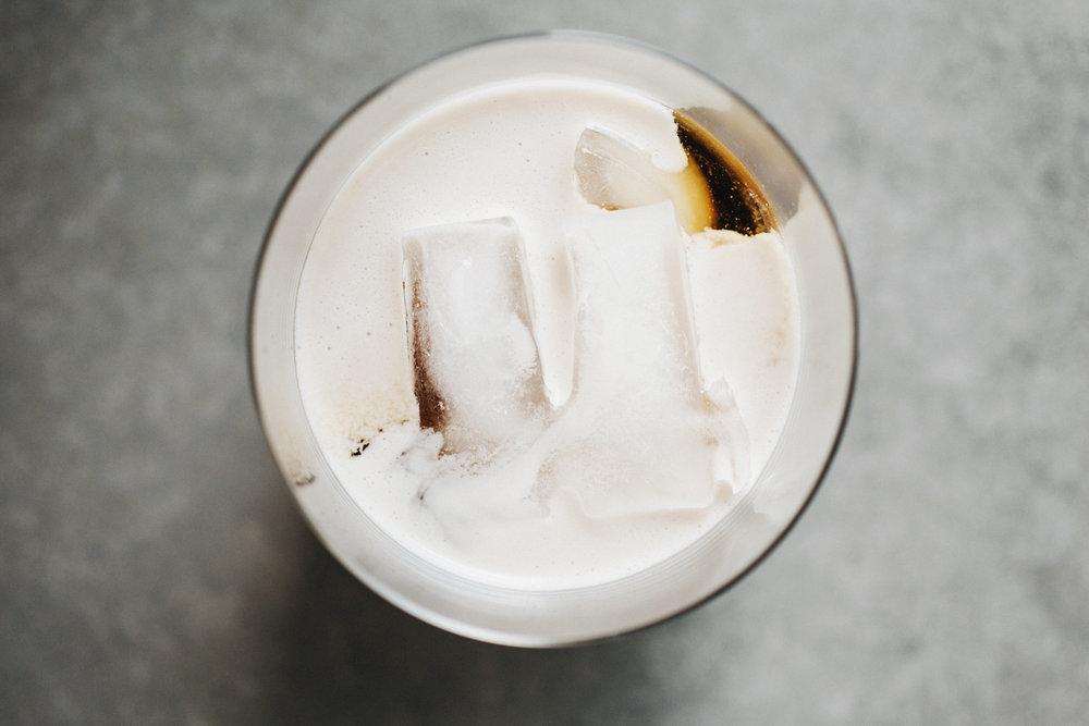 cold_brew_coconut_creamer_07.jpg