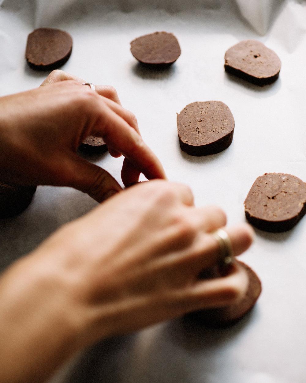 chocoloate_peppermint_cookies_02.jpg