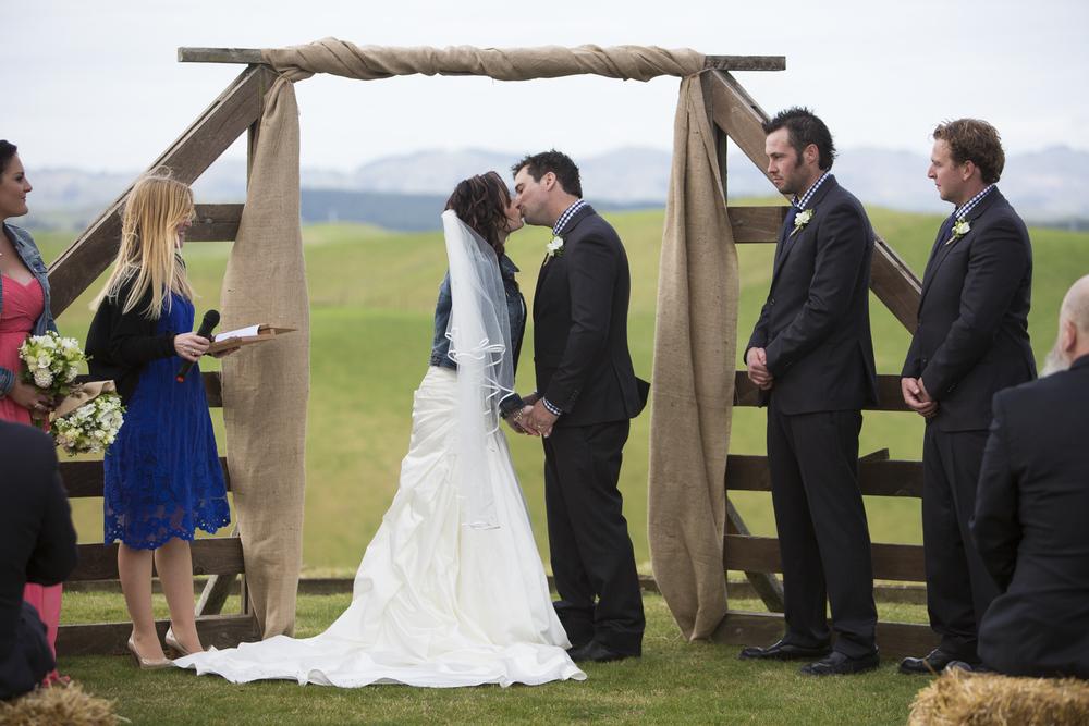 country weddings hawkes bay wedding photographers