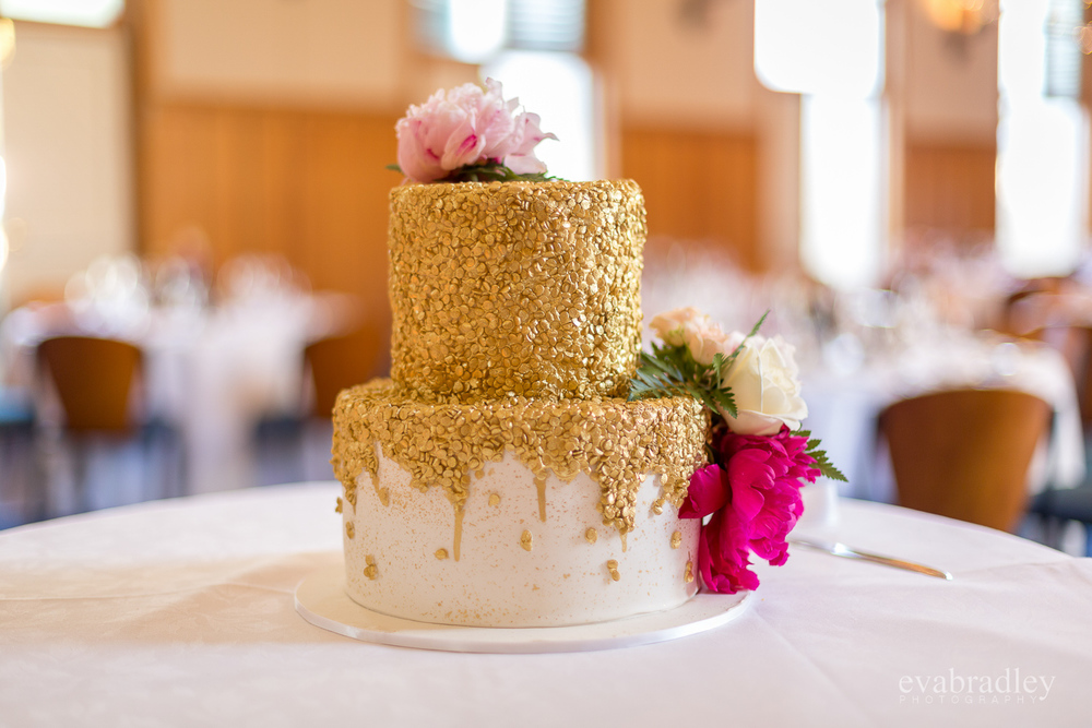 gold-wedding-cake-nz