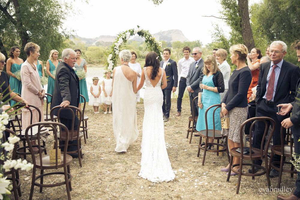 black-barn-winery-weddings-river
