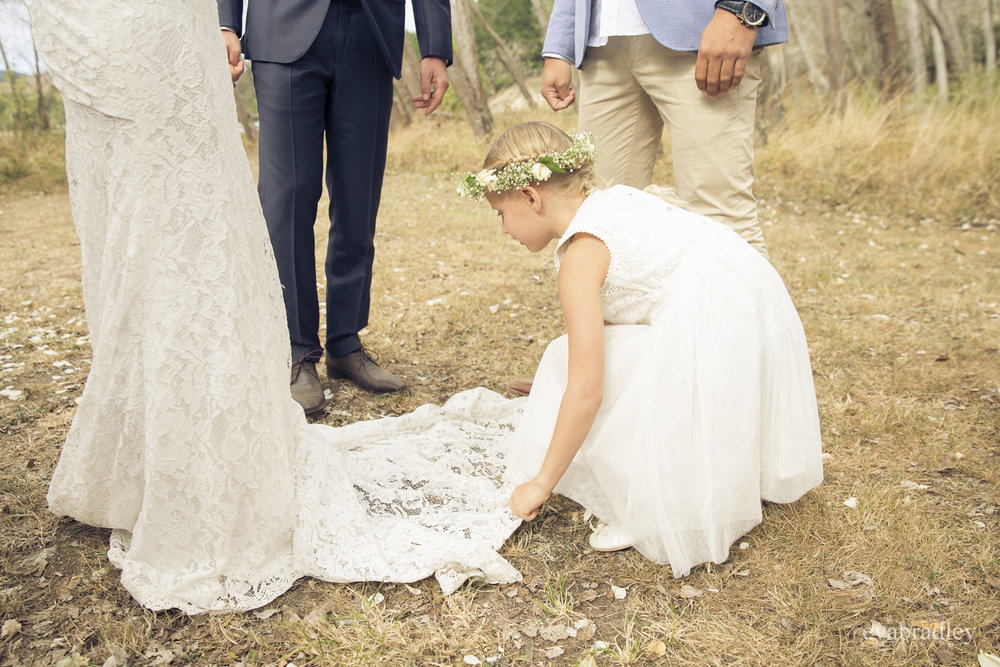 hawkes-bay-photographers-flowergirl