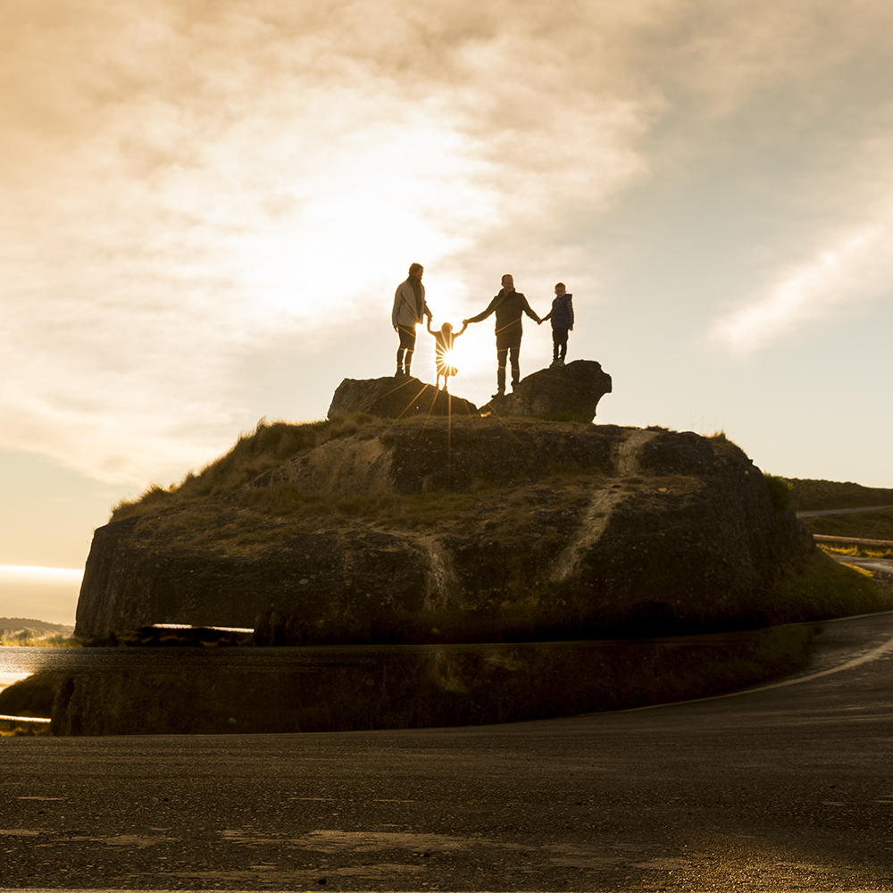 THE FUSSELL FAMILY - TE MATA PEAK SUNRISE SESSION