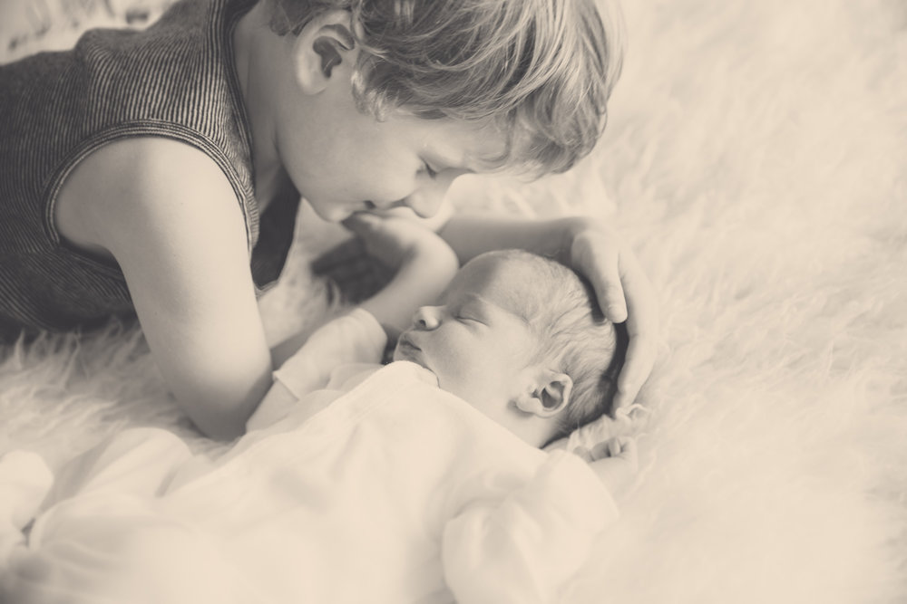 newborn-babies-older-brothers