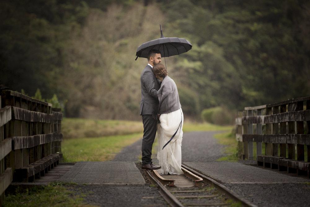 wedding-photos-in-the-rain-nz