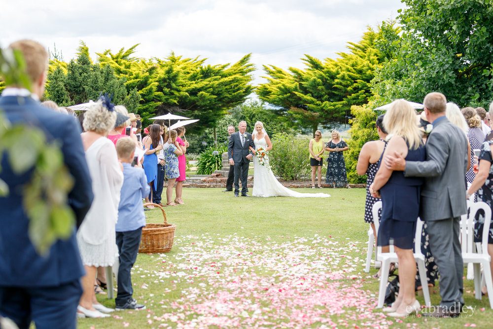 garden-wedding-ceremony-new-zealand-nz